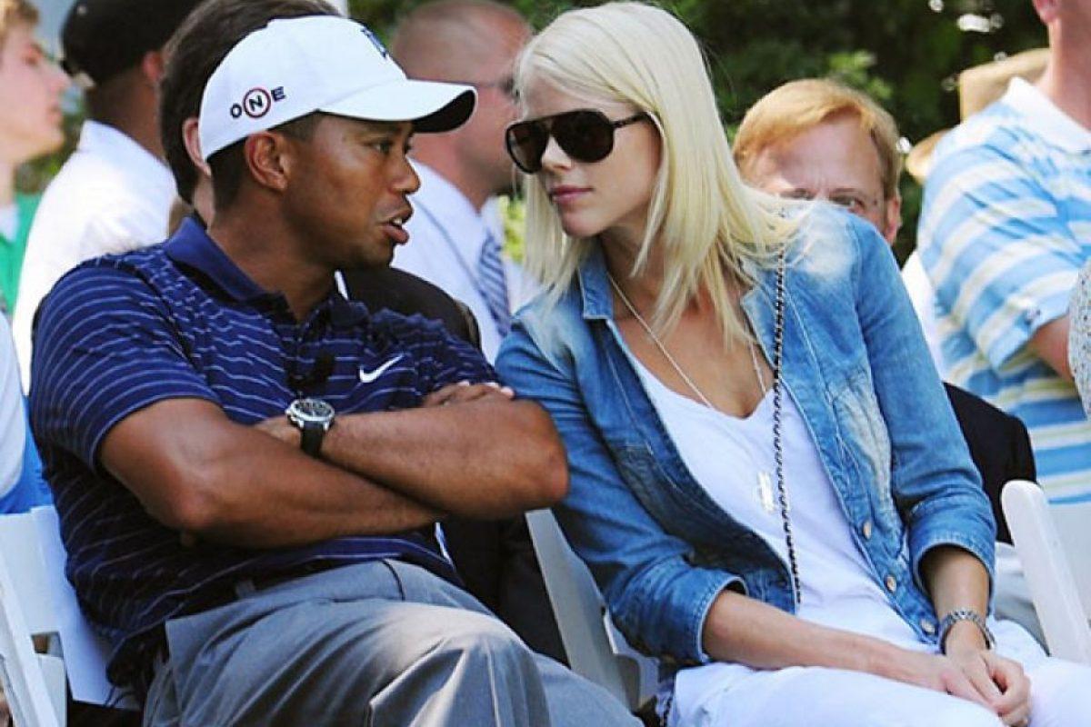 Después de muchas infidelidades del golfista, su exesposa Elin Nordegren le pidió el divorcio y 100 millones de dólares Foto:Getty Images