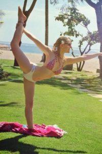 También es una amante del yoga. Foto:vía instagram.com/charli_robinson