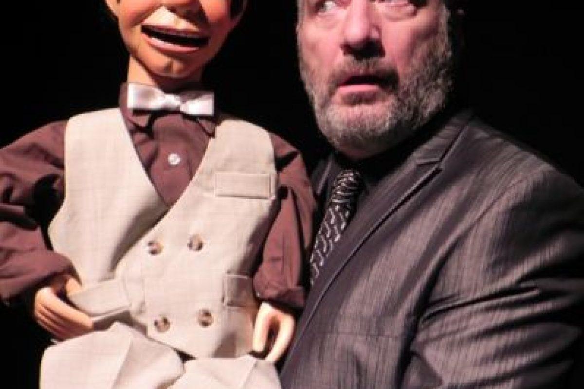 Y también va de gira por importantes teatros en su otro rol. Foto:vía Facebook/Paul Zaloom