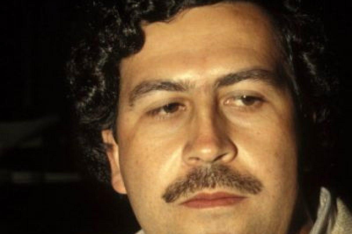 4. Su hijo, Sebastián Marroquín contó en una entrevista que su hermana tenía mucho frío y, como no había con qué más calentarla, Escobar decidió quemar un fajo de billetes para que le diera calor. Foto:vía Getty Images