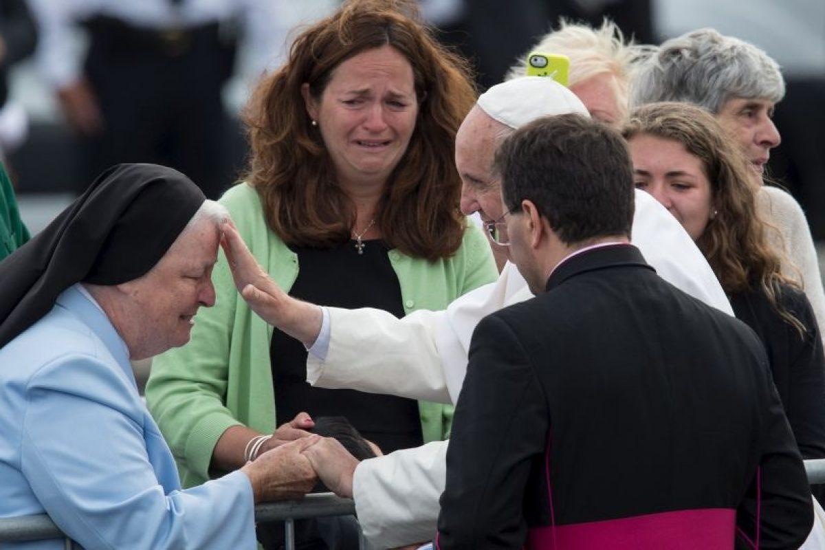 Kristin Keating, madre del pequeño comenzó a llorar. Foto:AFP