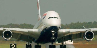 Video: Así aterriza el avión más grande del mundo