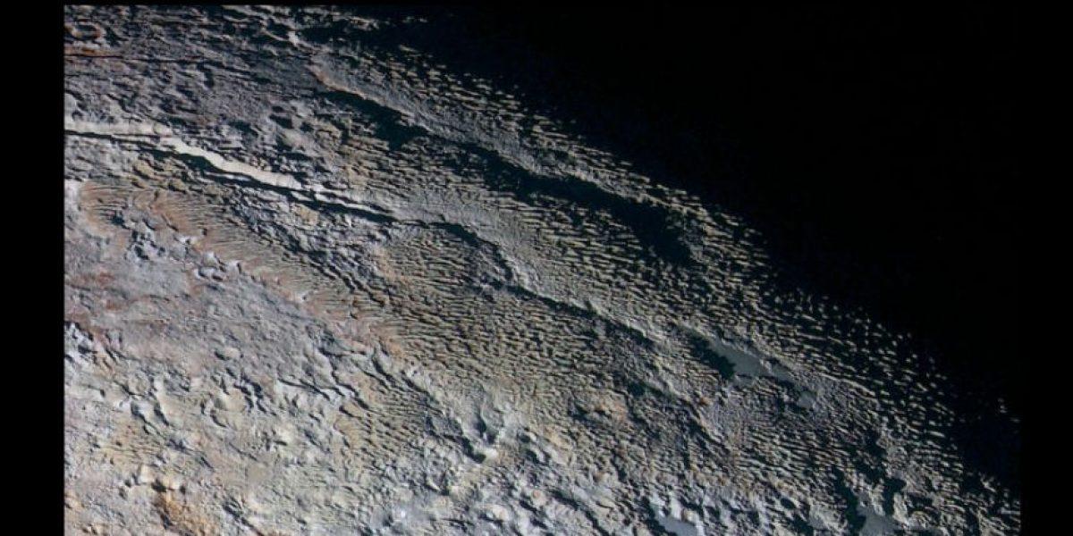 NASA revela sorprendentes nuevas imágenes de Plutón