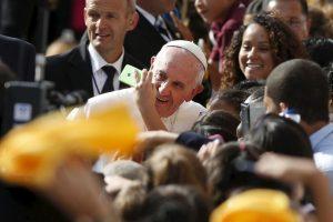 Para terminar con la gira el Papa viajó hacía Filadelfia. Foto:AP