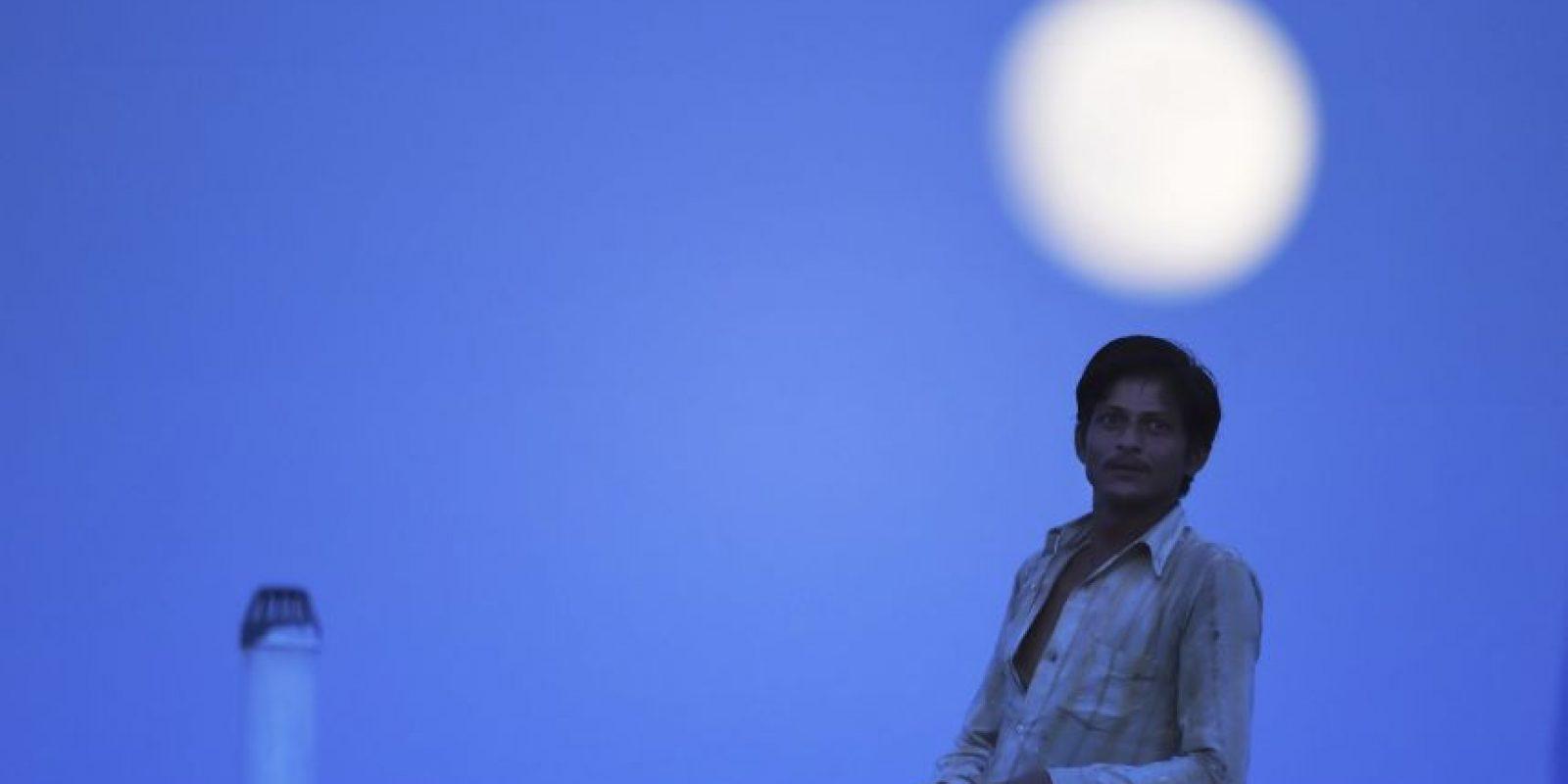 En la India la superluna claramente se notó. Foto:AFP