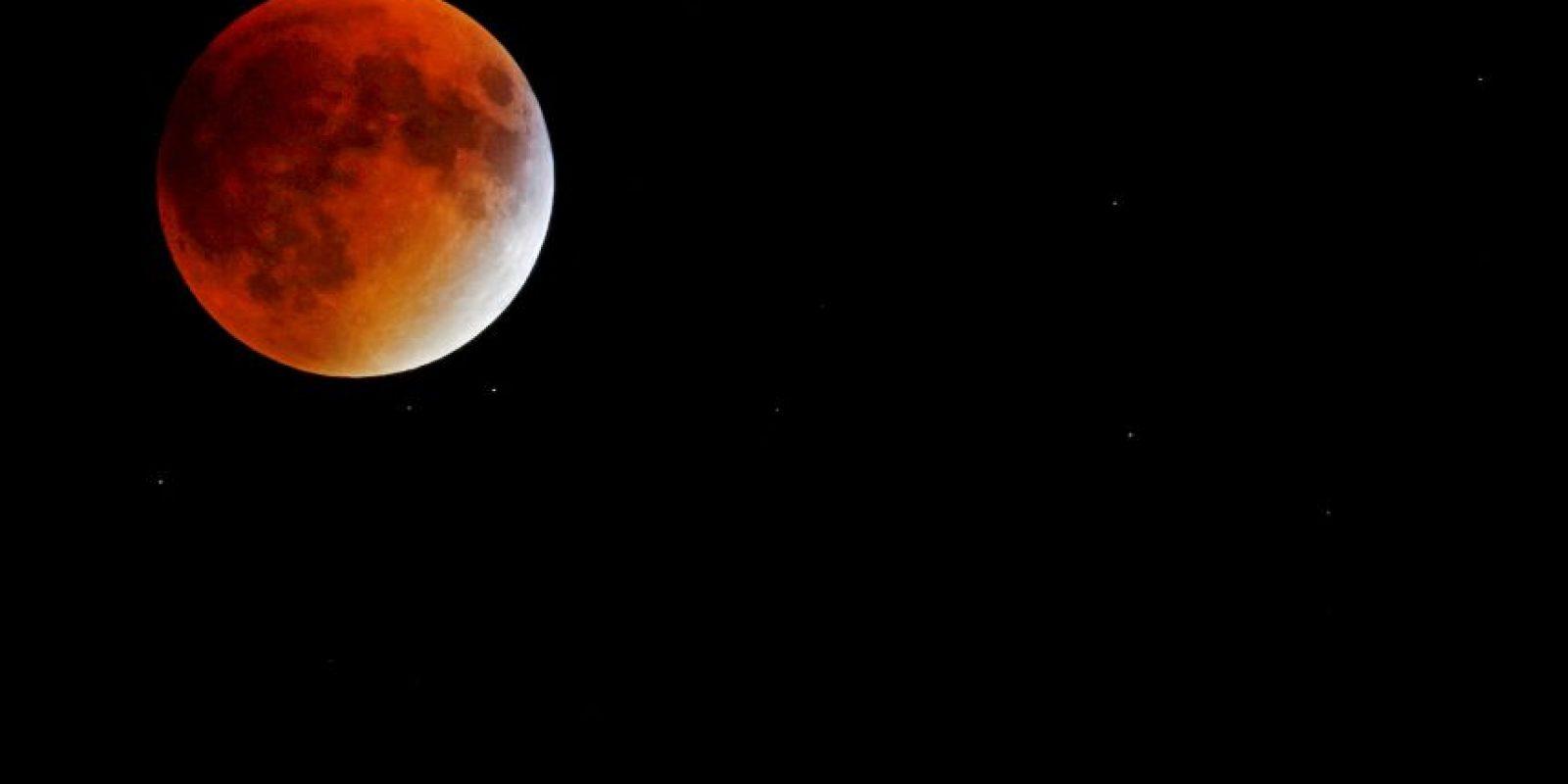 """En Nueva York fue completamente una """"luna de sangre"""". Foto:AFP"""
