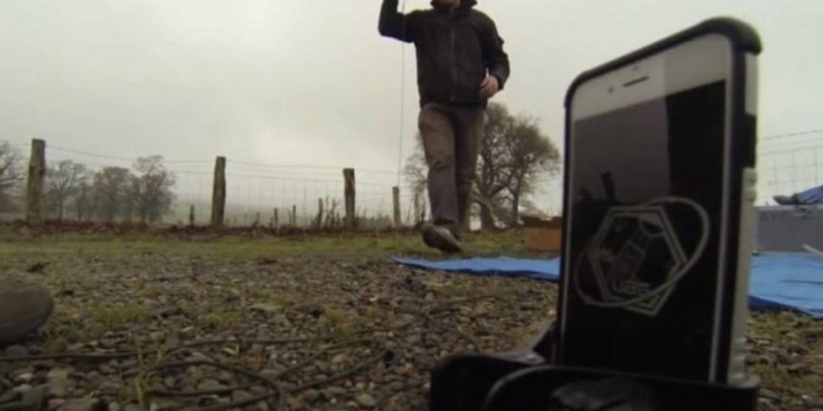 El iPhone fue llevado a la estratósfera mediante globo meteorológico. Foto:vía Urban Armor Gear Inc.