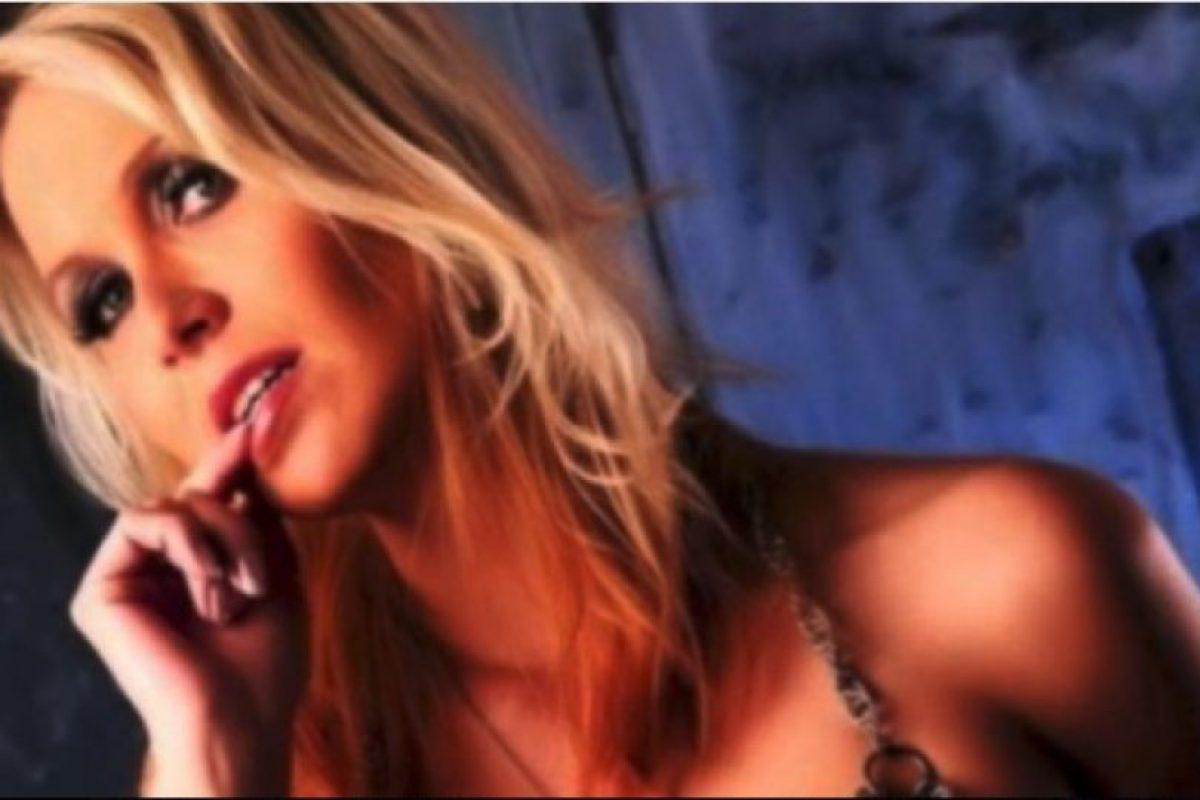 Julia Pink, profesora y estrella del cine para adulto Foto: Facebook.com/Julia.blond