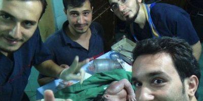 Médicos sirios salvan a bebé que nació con pedazo de fusil en la cabeza Foto:Captura de pantalla