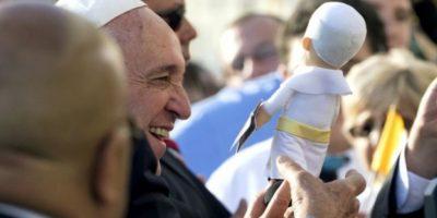 La hija de Dana Madden fue llevada hasta donde se encontraba el Papa y recibió la bendición. El curioso momento se dio en Filadelfia. Foto:Getty Images