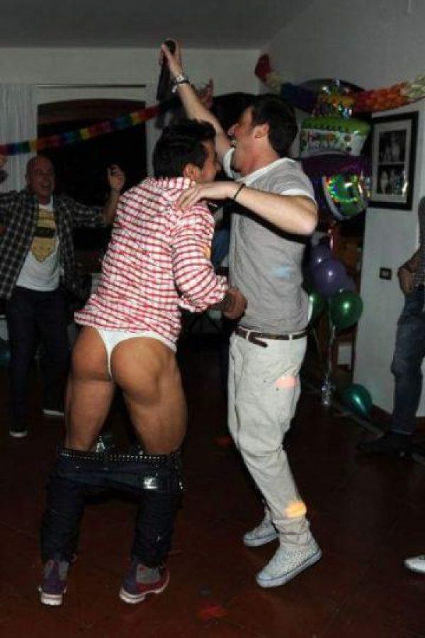 ¿Qué tal? Una vedette argentina filtró fotos de Ezequiel Lavezzi en tanga. Foto:Vía twitter.com/MarianitaDiarco