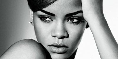 FOTOS. El transparente vestido de Rihanna que no dejó nada a la imaginación