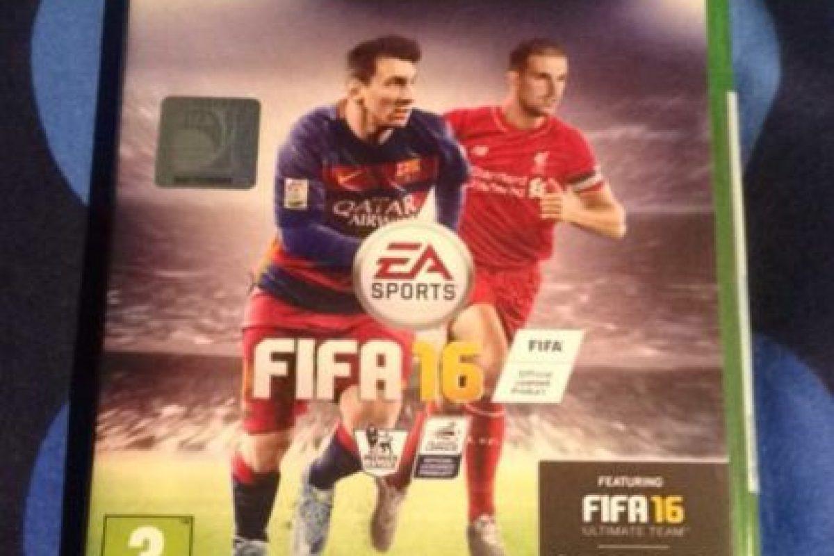 Cuando salió FIFA 16, él, por Twitter, le dijo que no la vería por un tiempo. Foto:vía Twitter