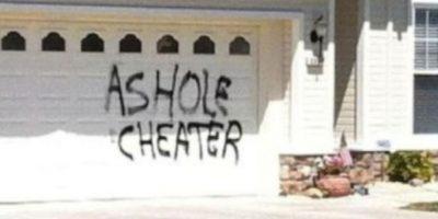 Poner un aviso en la casa. Foto:vía Facebook