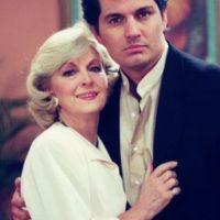 """Antonio De Carlo era """"Osvaldo"""", el novio que abandona a """"Paulina"""", al comienzo. Foto:vía Televisa"""