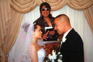 """El 7 de enero de 2014, se casó con """"Jenieva Jane B"""", con quien ya tenía una hija. Foto:vía lou-bega.com"""