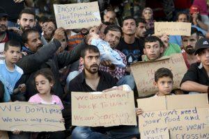 Entre los principales motivos por los que miles de personas originarias de Siria migran hacia Europa se encuentra la violencia ejercida por Estado Islámico. Foto:Getty Images