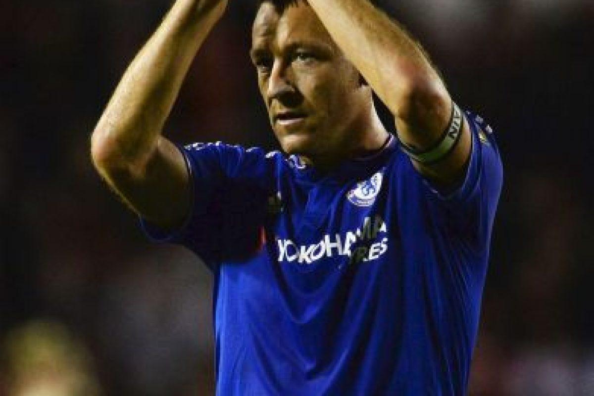 En 2010, la prensa británica reveló que Terry mantuvo una relación extramarital de varios años con Vanessa Perroncel, quien era pareja de Wayne Bridge, jugador inglés con quien compartía vestidor en el Chelsea y la Selección de Inglaterra. Foto:Getty Images