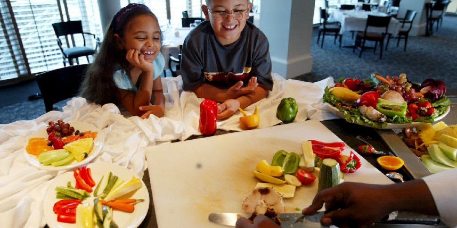 2. Media mañana: • copos de arroz• Semillas• Polvo de proteína vegano• Verdes • Aceite de lino Foto:Getty Images