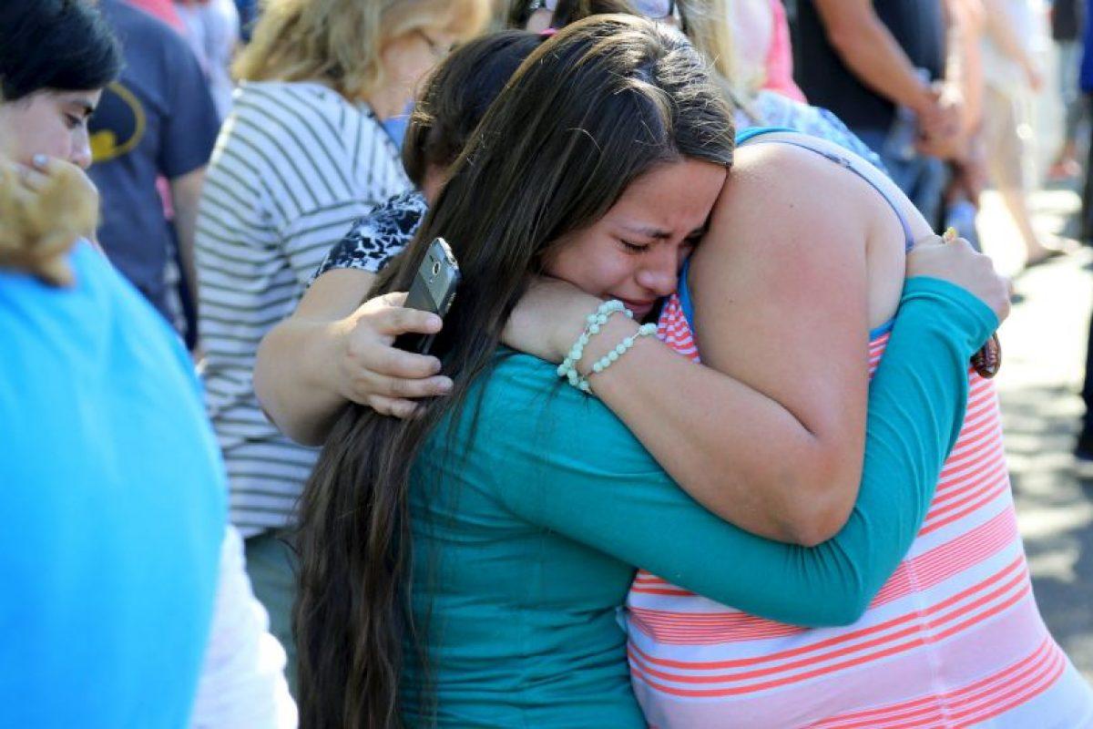Las familias lamentan lo sucedido. Foto:AP