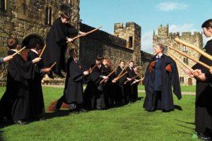 """Un chico distraído que era compañero de """"Harry Potter"""" Foto:vía facebook.com/harrypottermovies"""