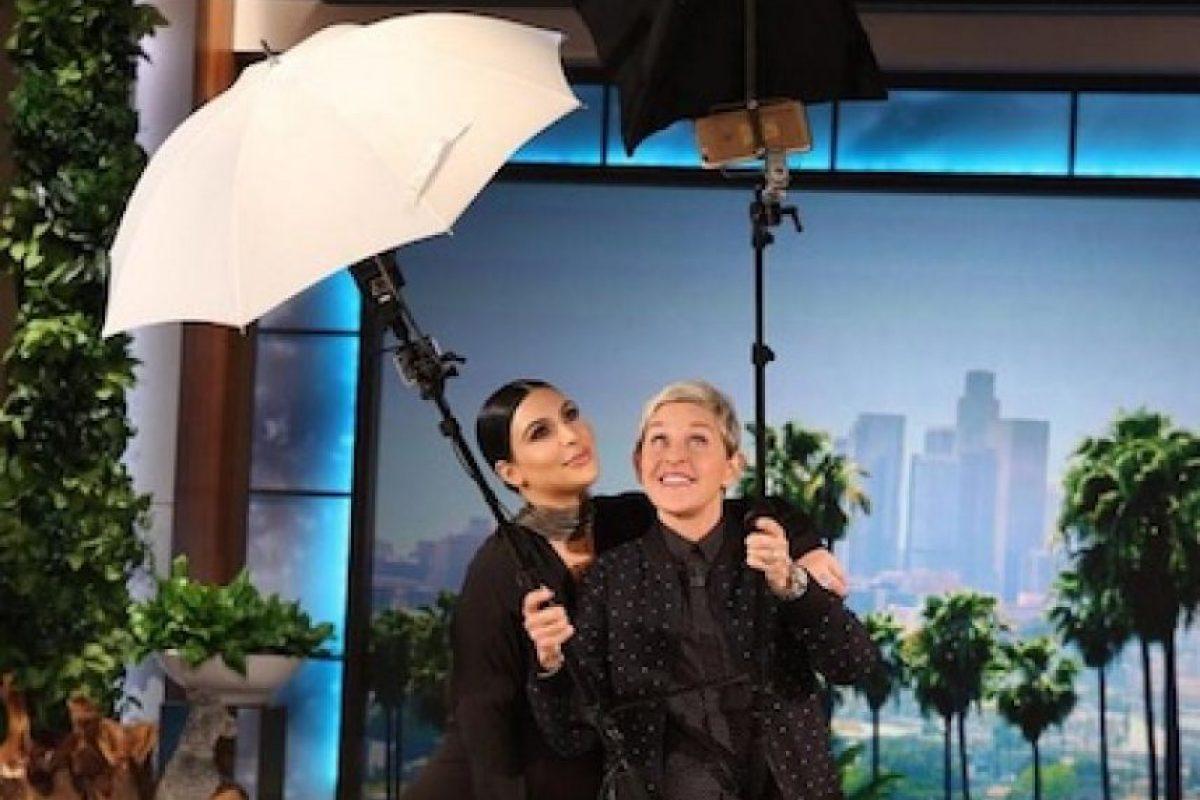 Kim aprovechó la ocasión para conversar acerca de la candidatura de Kanye West, su nuevo bebé y sobre Caitlyn Jenner. Foto:Instagram/KimKardashian