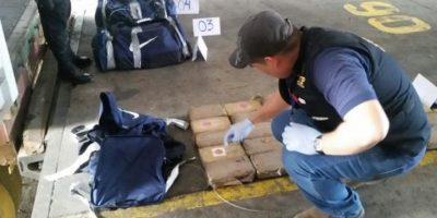 Incautan maletines con cocaína en un contenedor en el puerto Santo Tomás