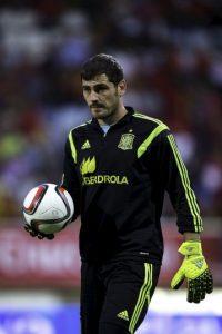 Único portero español que ha logrado mantener su portería imbatida durante más de 600 minutos en partidos de competición oficial (779 minutos en 2012 y 632 minutos en 2008). Foto:Getty Images
