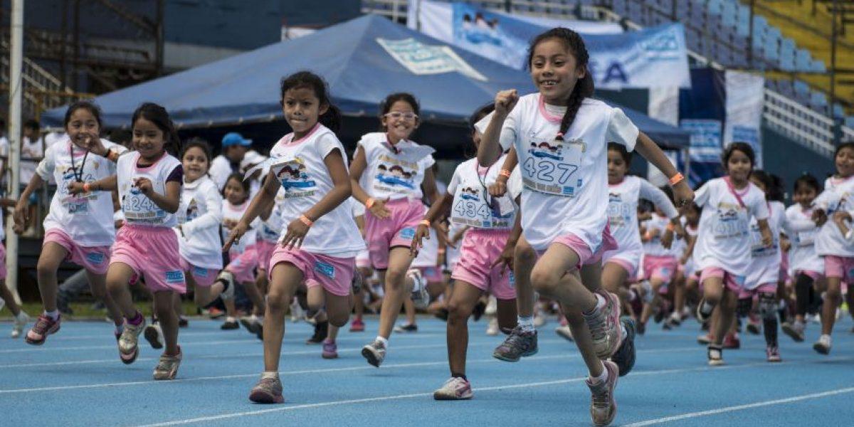 FOTOS. Niños celebran su día entre sonrisas en el Mateo Flores