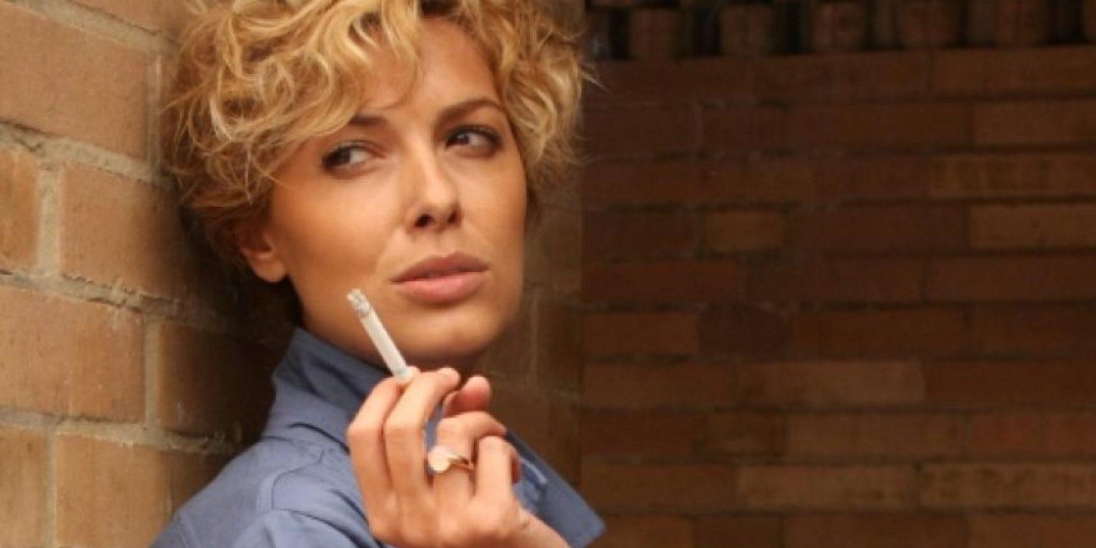 """Cristina Urgel era la errática, bisexual y elegante """"Patricia O´Farrell"""", amiga de """"Teresa"""" y socia en su negocio. Foto:vía Telemundo"""