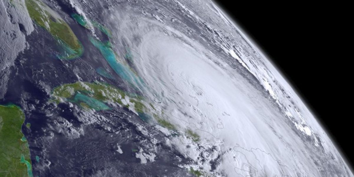 Estados Unidos se prepara para posible azote de huracán categoría 4