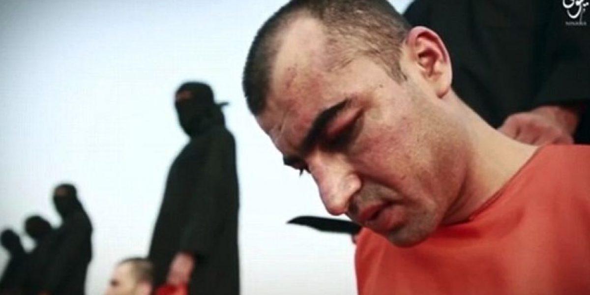 Ahora ISIS mata a sus víctimas mientras recitan textos religiosos