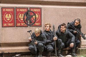 """En esta nueva entrega, """"Katniss Everdeen"""" se enfrentará en una dura batalla contra el """"Capitolio"""" y el presidente """"Snow"""". Foto:""""Entertainment Weekly"""""""
