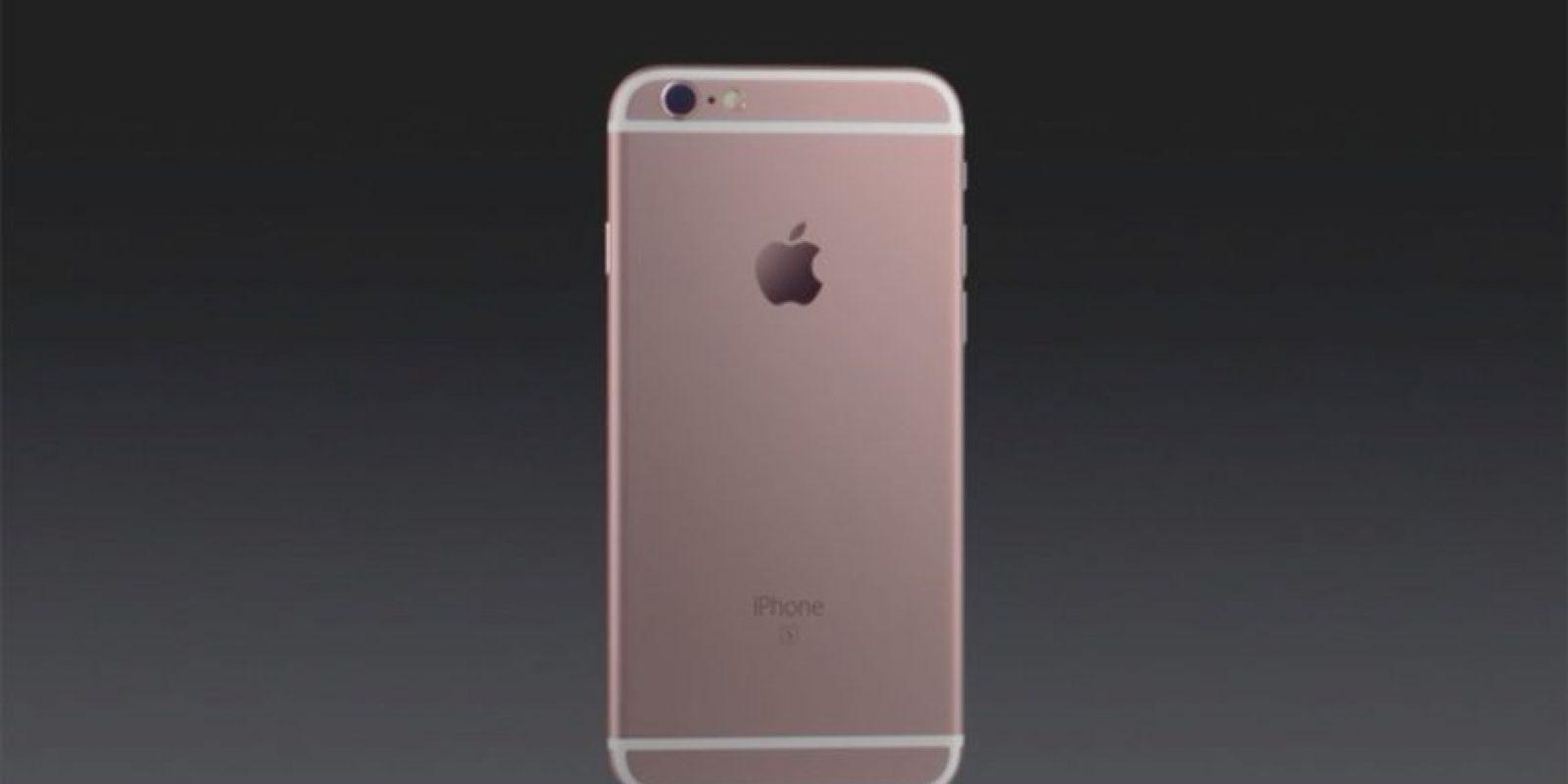 La cámara posterior es de 12 megapíxeles. Foto:Apple