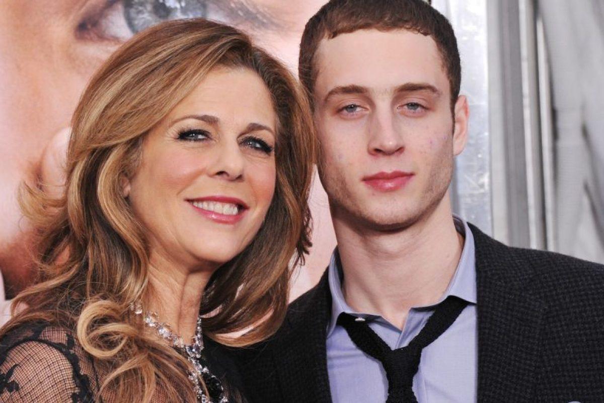Su madre es la actriz Rita Wilson. Foto:Getty Images