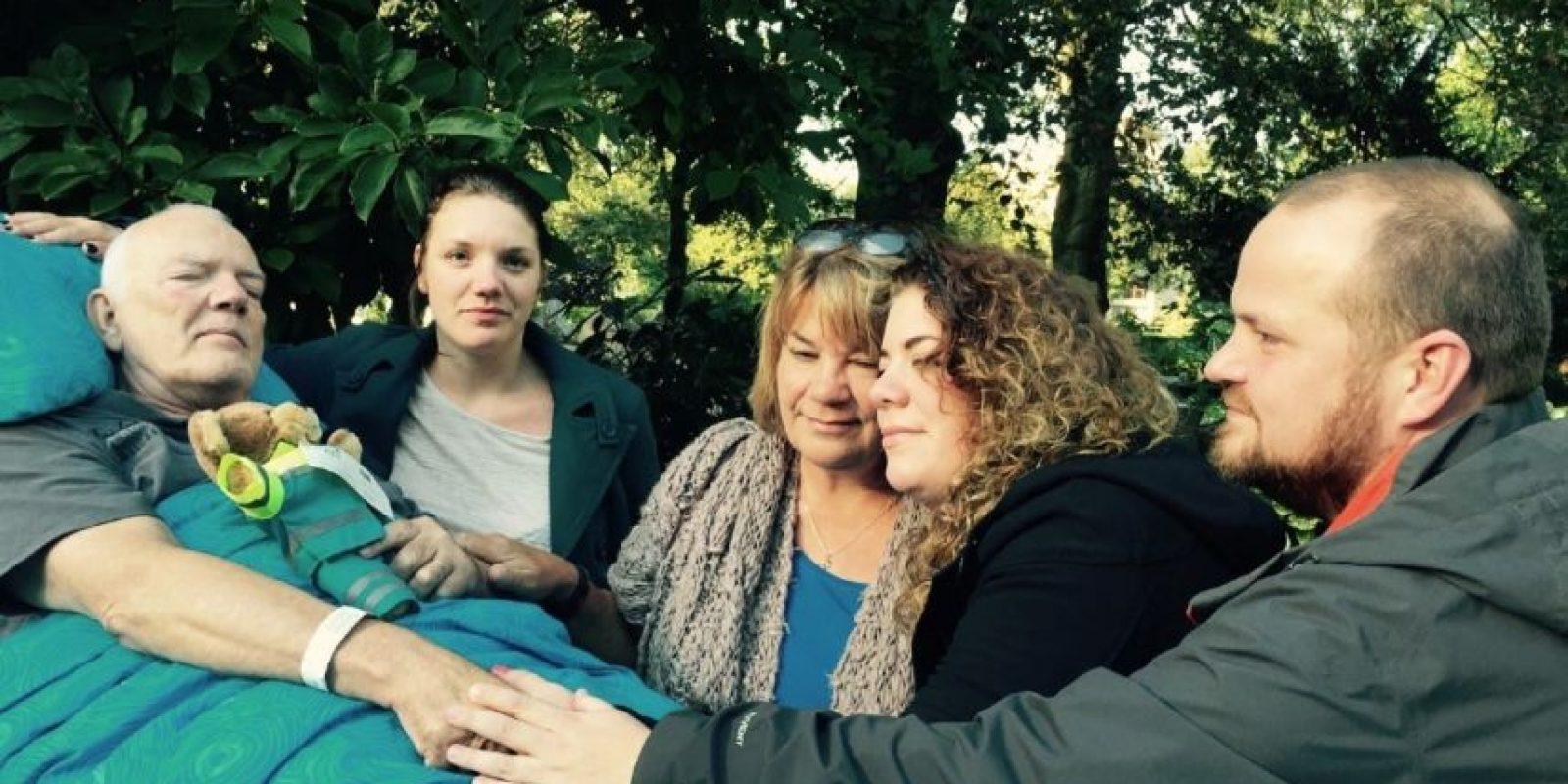 Salir a la calle con su familia. Foto:Vía Facebook.com/wensenrijders