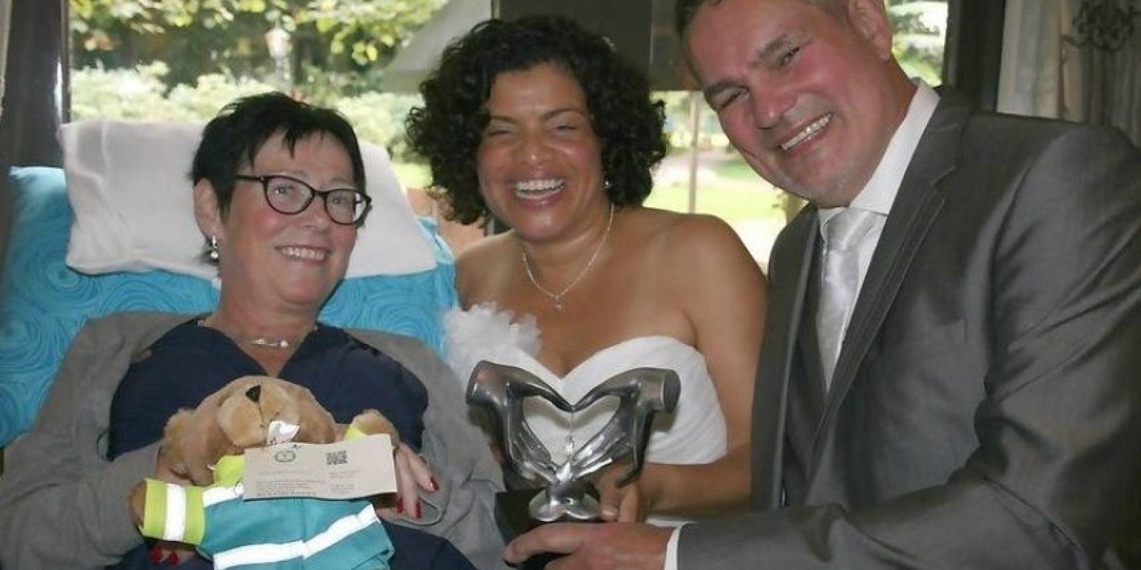 Acudir a la boda de su amiga. Foto:Vía Facebook.com/wensenrijders