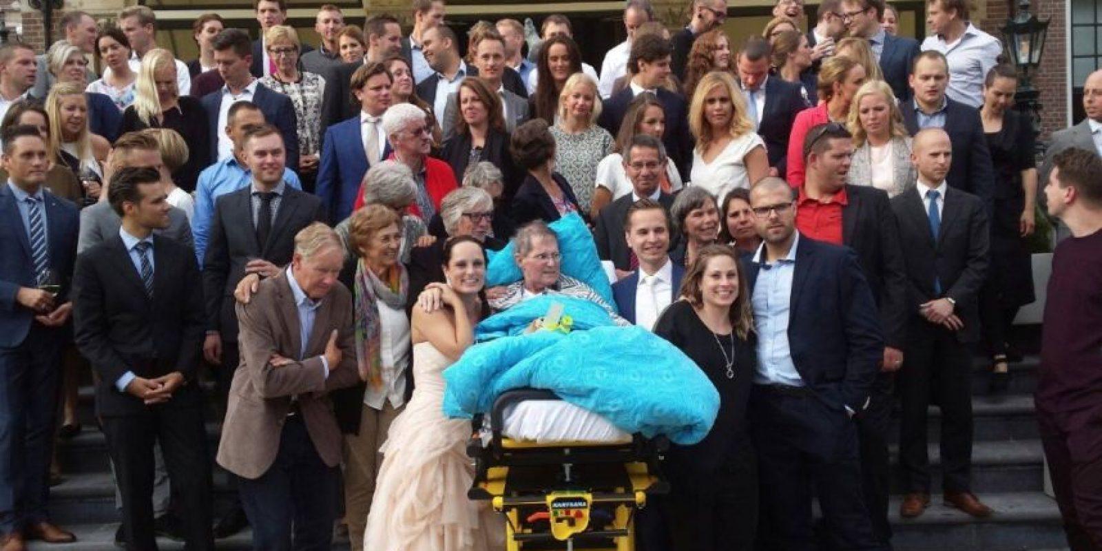 Asistir a la boda de su hija. Foto:Vía Facebook.com/wensenrijders