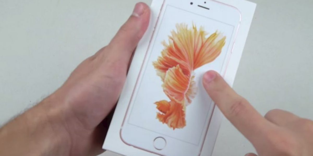 Video: Destrozan un iPhone 6s con martillo y cuchillo