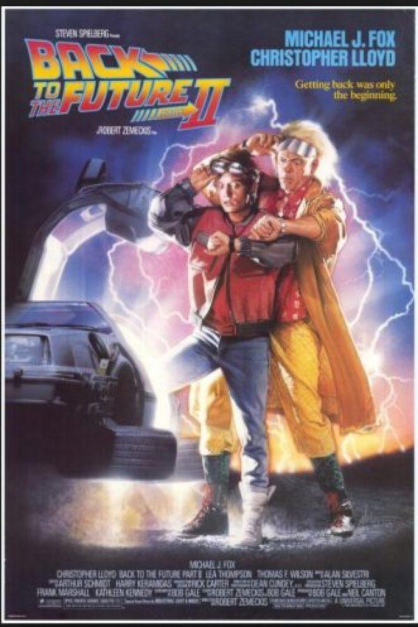 El Dr. Emmett Brown era Profesor Emmett Brown en el guión original, y tenía un negocio de películas pirateadas a medias con Marty McFly Foto:Universal Studios