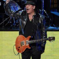 """El periodista de la cadena de noticias """"CBC"""", Chris Walker en Candá, informó el 29 de octubre en su Twitter que el guitarrista mexicano Carlos Santana había muerto. Sin embargo, el equipo de Carlos desmintió esta información. Foto:Getty Images"""