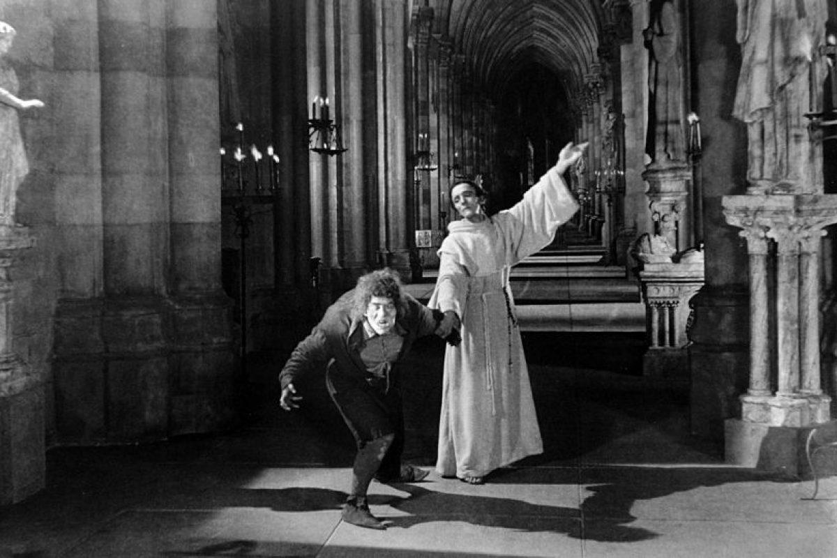 En la verdadera versión, mueren Quasimodo y Esmeralda Foto:Wikipedia