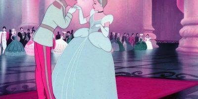 Cenicienta tiene incluso una hermana que se redime. Foto:Disney