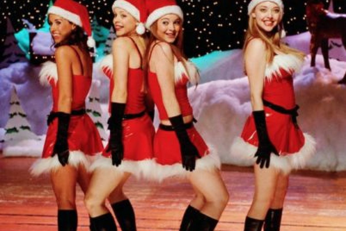 Los trajes que usaron las chicas sí eran de plástico Foto:Facebook Mean Girls