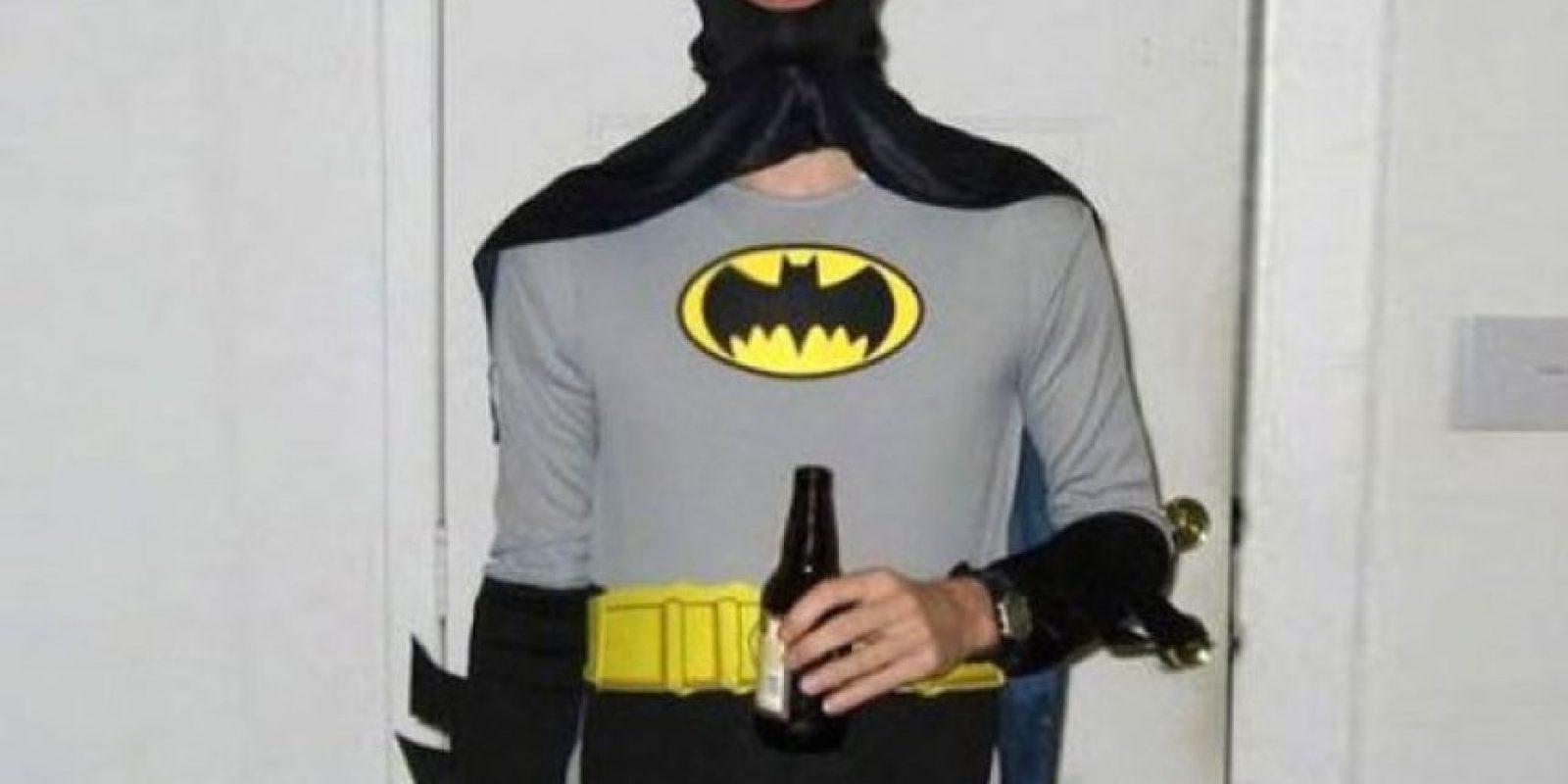Batman quiere ir a tomar cerveza y luego cazar cocodrilos. Foto:vía Tumblr