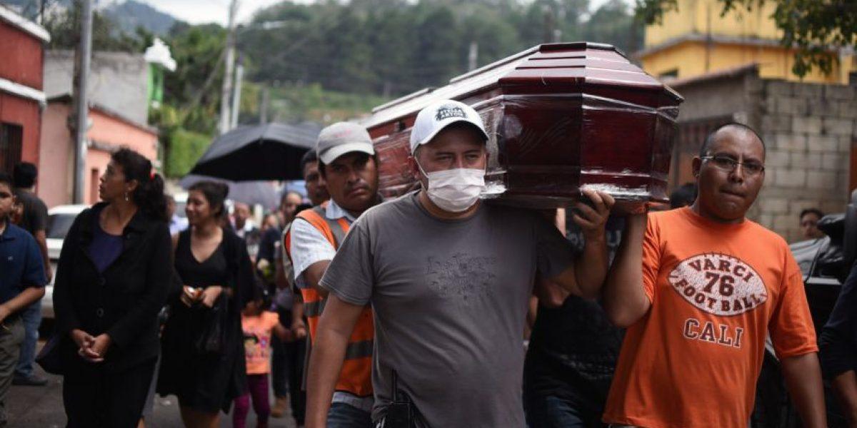 La jornada deja más fallecidos y comienzan los sepelios en El Cambray