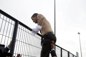 El director de recursos humanos, Xavier Broseta, fue uno de funcionarios que terminó casi sin ropa. Foto:AFP