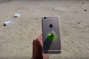 El arco y la flecha fueron demasiado para el iPhone 6s. Foto:FullMag / YouTube