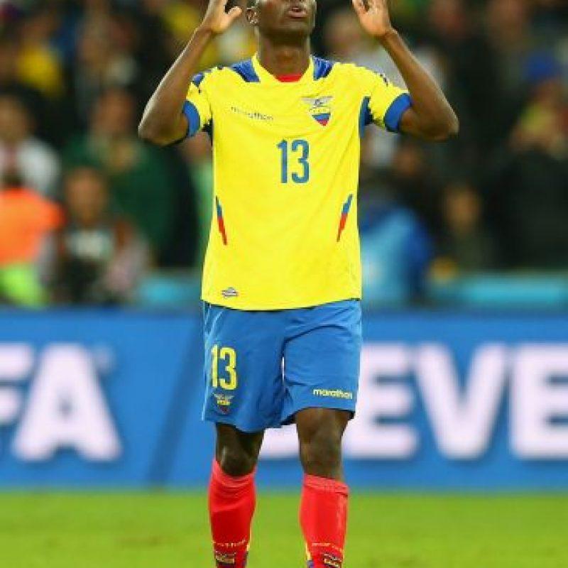 El delantero del West Ham United es la estrella de la selección de Ecuador que busca su segundo mundial de forma consecutiva, pero también se perderá las primeras dos fechas por lesión. Está previsto que regrese en noviembre por lo que ya estaría disponible para enfrentar a Uruguay y Venezuela. Foto:Getty Images