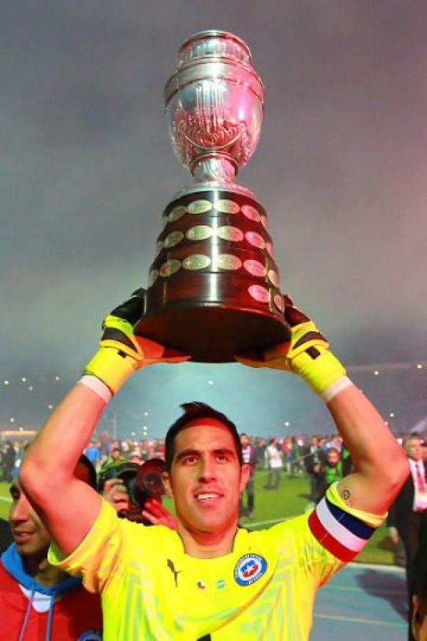 """El arquero del Barcelona es el líder de la generación """"dorada"""" de la """"Roja"""". Por sus actuaciones en el Barça, es el mejor guardameta sudamericano de la actualidad. Foto:Getty Images"""